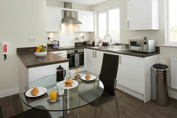 Kitchen and Dining Area, Beneficial House Serviced Apartments, Bracknell