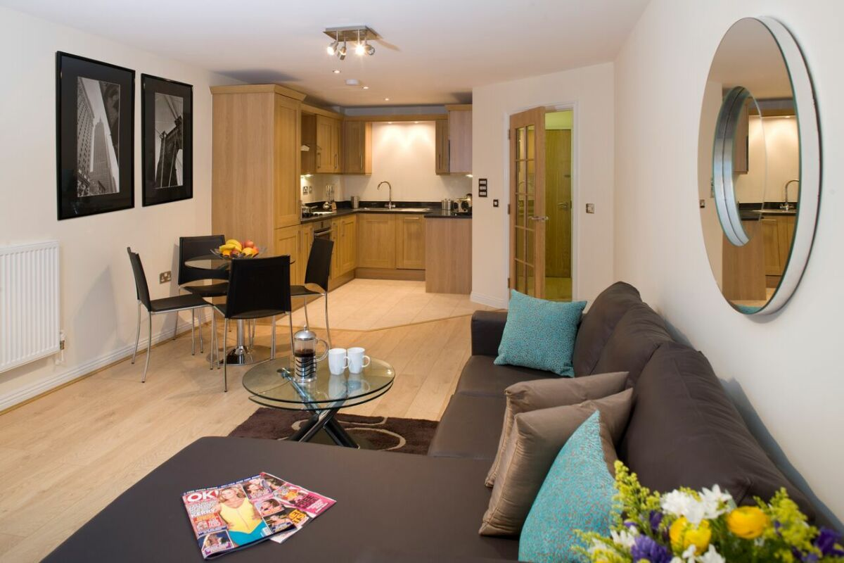 Living Area, Cliddesden Place Serviced Apartments, Basingstoke
