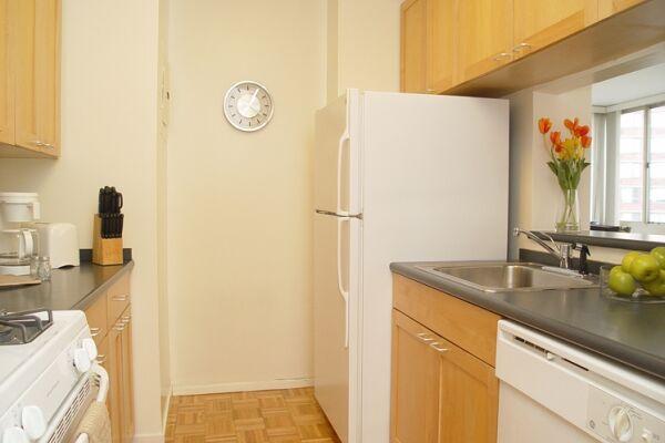 Kitchen, Longacre House Serviced Apartments, Midtown, New York