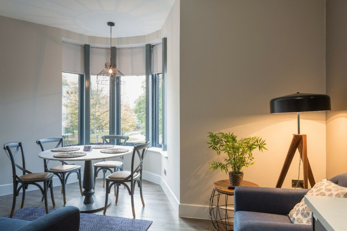 Dining Area, Park Lane Serviced Apartments, Cardiff