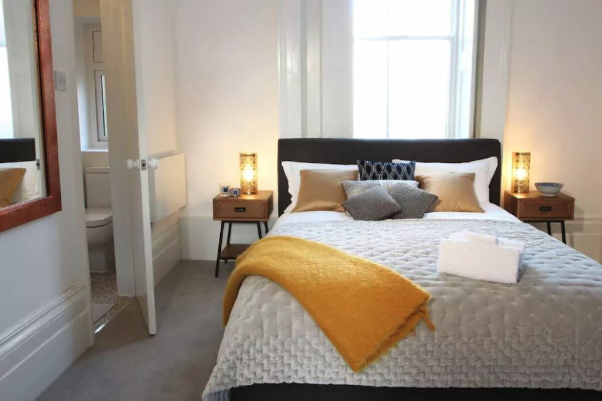Bedroom, The Arragon Serviced Apartments, Twickenham
