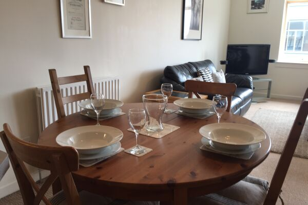 Dining Area, Chrysalis Serviced Apartment, Glasgow