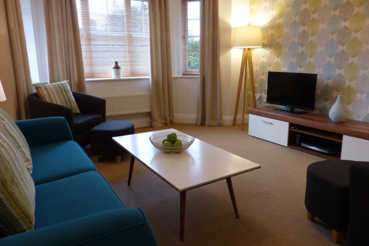Living Area, St. Raphael House Serviced Apartments, Basingstoke