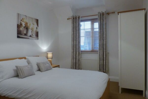Bedroom, St. Raphael House Serviced Apartments, Basingstoke