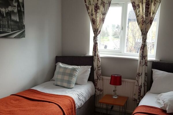 Bedroom Two: Twin Beds