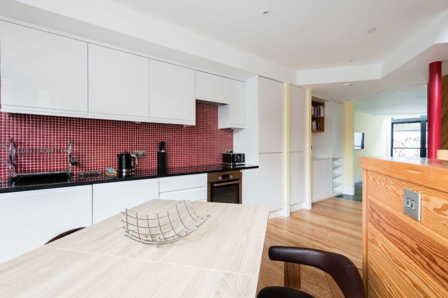 Camden Chalet Accommodation - Camden, North London
