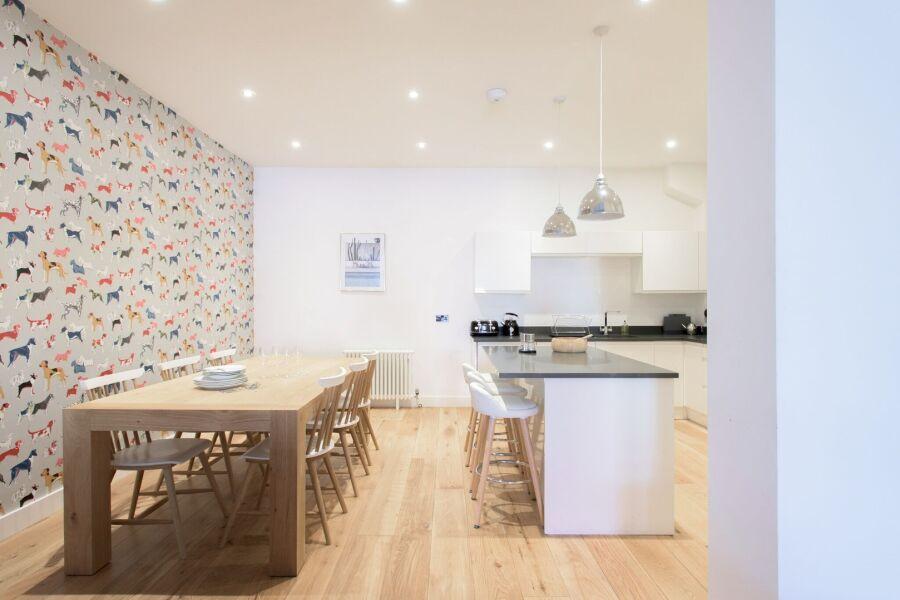 White Wood Forest Apartment - Birmingham, United Kingdom