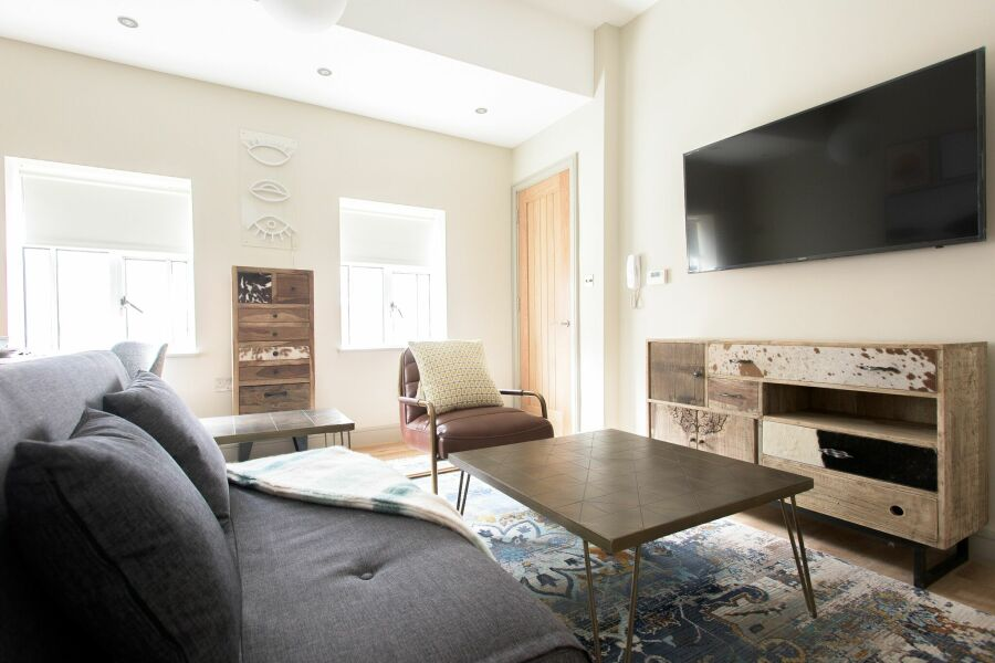 Soho Loft Apartment - Mayfair, Central London
