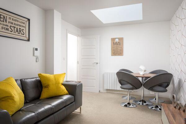 Axiom Apartments - Cheltenham, Gloucestershire