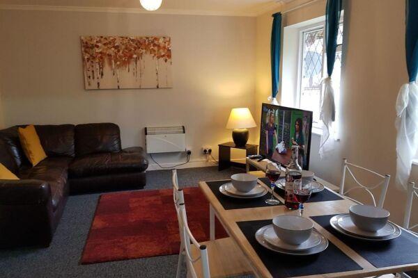 Aubrey Maisonette Accommodation - Luton, Bedfordshire