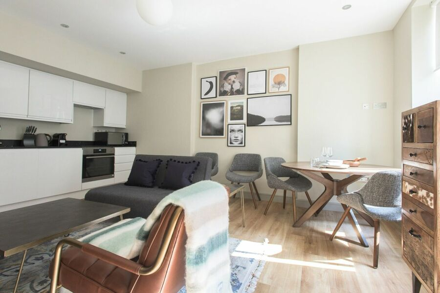 Mayfair Parade Apartment - Mayfair, Central London
