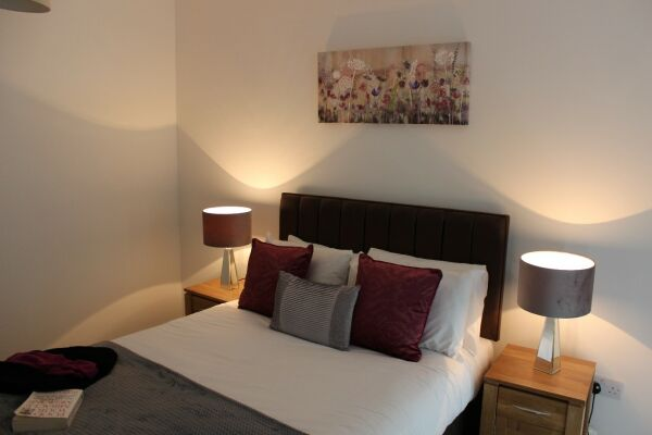 Royal Winchester House Apartments - Bracknell, Berkshire