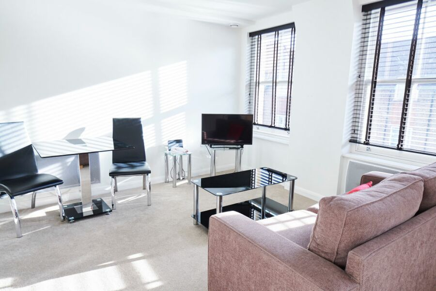 Kensington Olympia Apartments - Hammersmith, West London