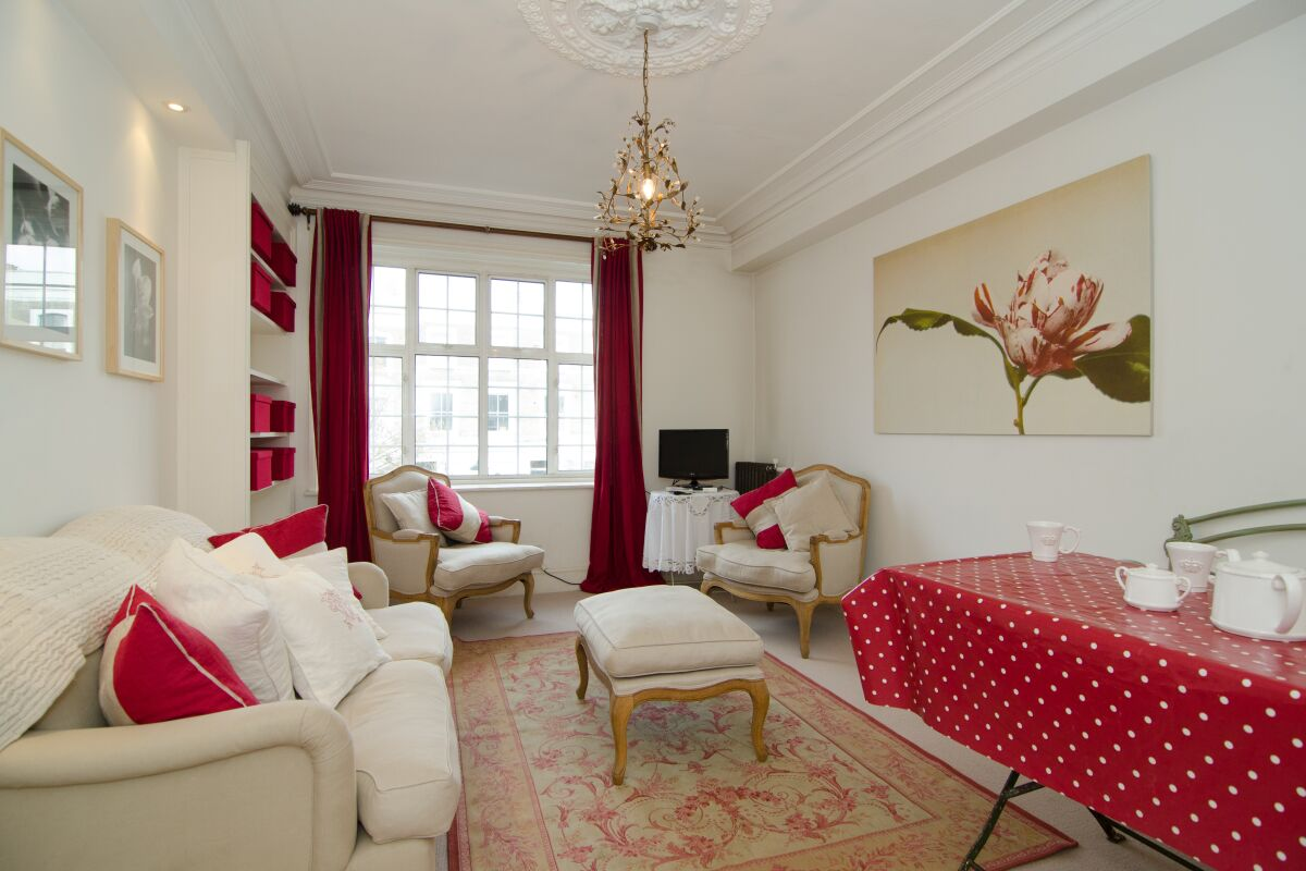 Living Room, Lancaster Road Serviced Apartments, Ladbroke Grove, London