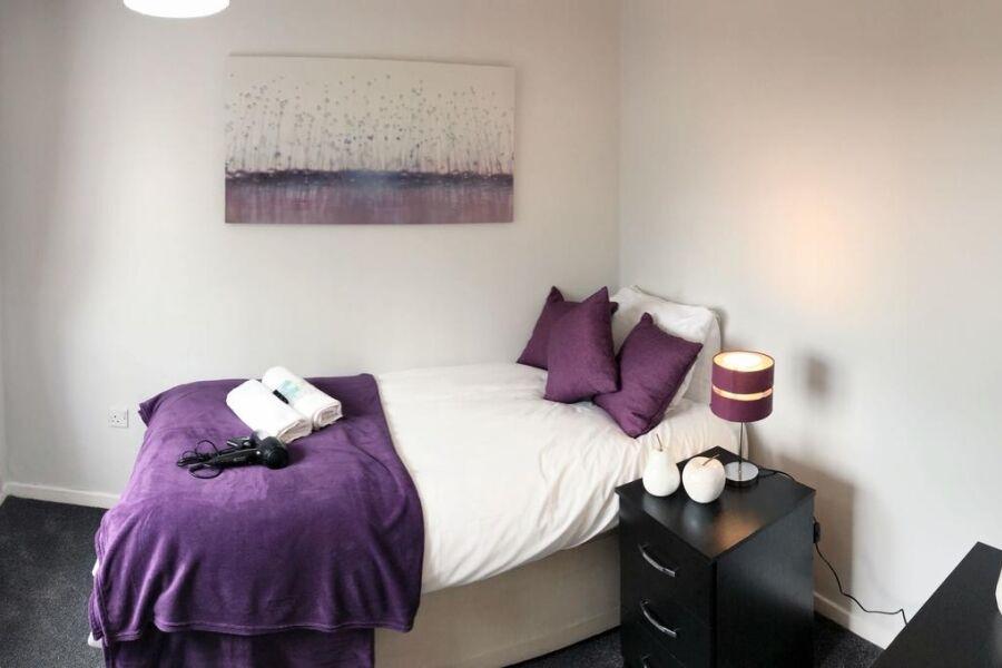 Piccadilly Close Accommodation - Birmingham, United Kingdom