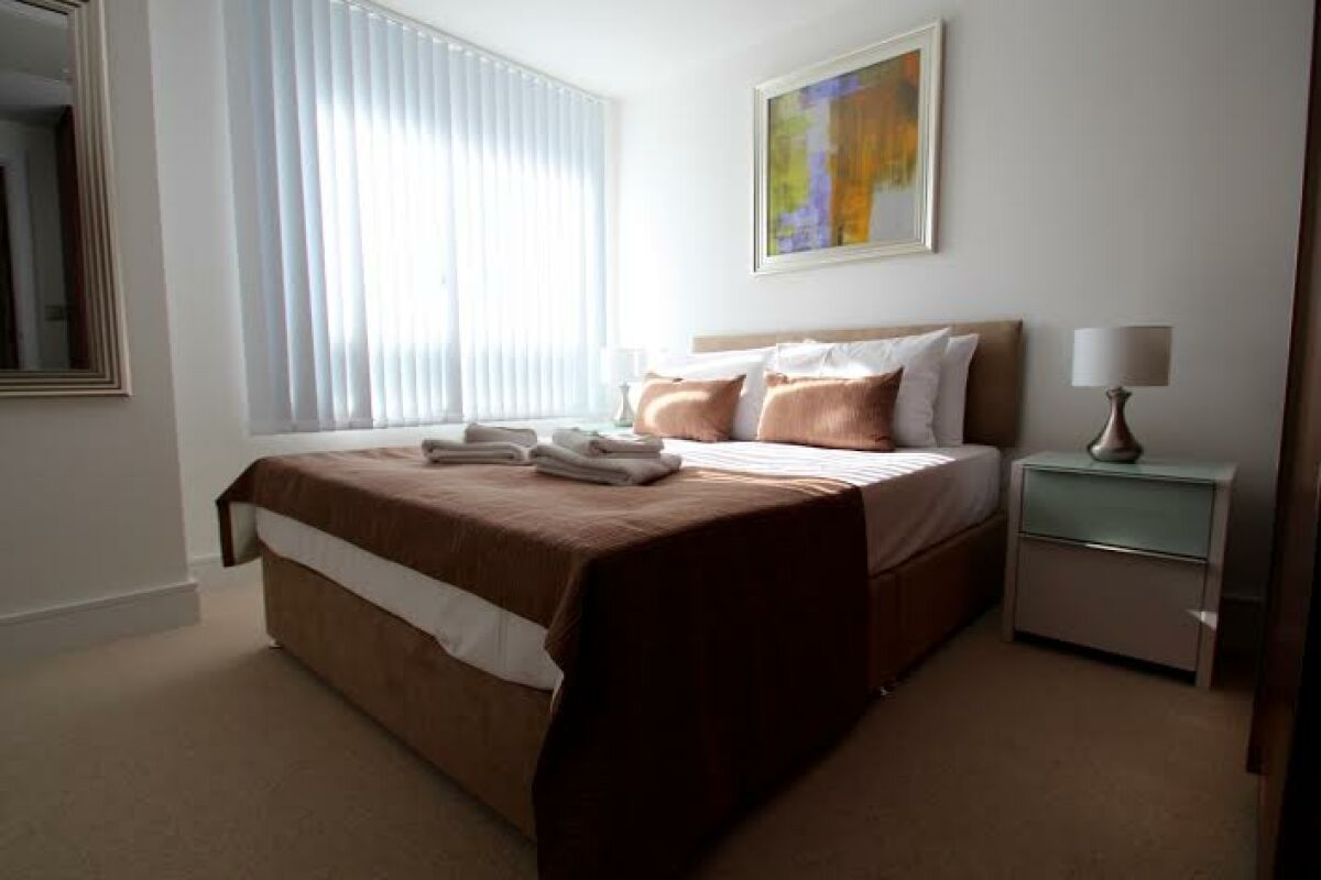 Bedroom, Lincoln Plaza Serviced Apartments, Isle of Dogs, London