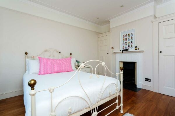 Oxford Gardens Accommodation - Notting Hill, West London