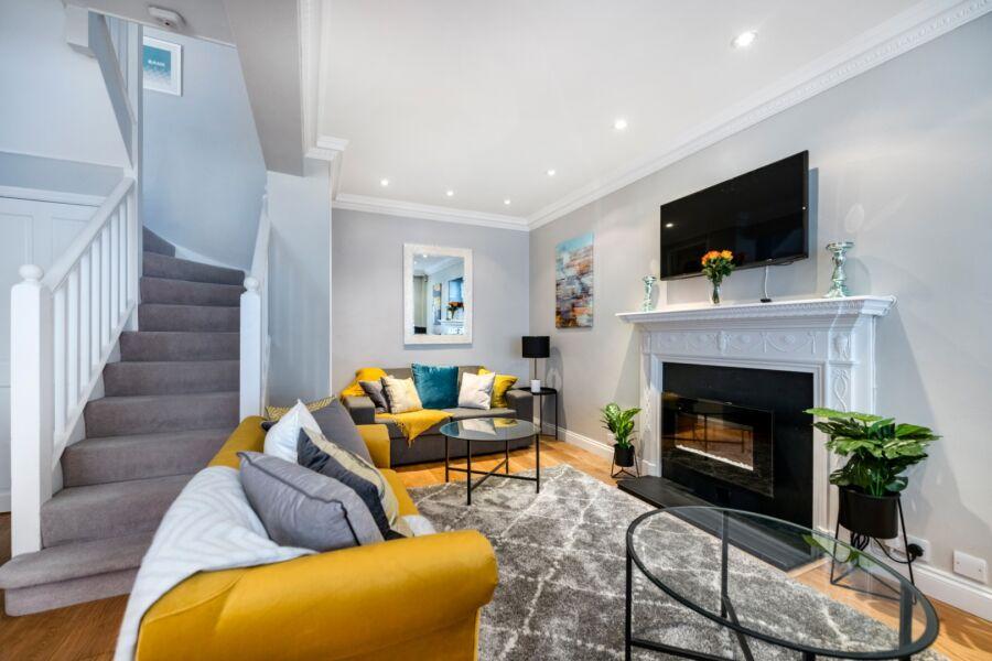 Victoria Mews House Accommodation - Pimlico, Central London