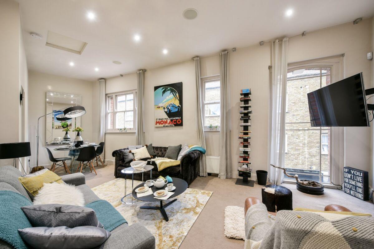 Oxford Street Mews House Accommodation - Marylebone, Central London