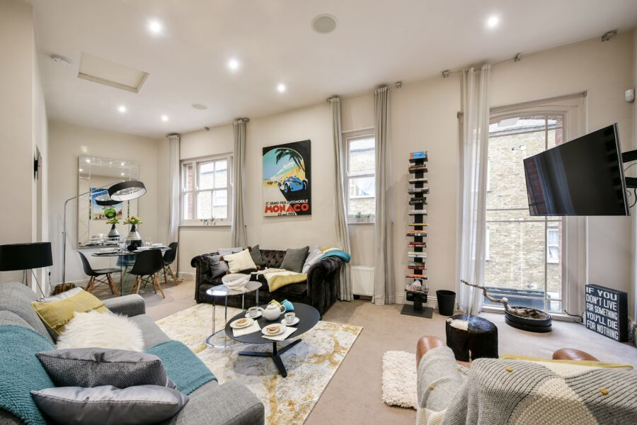 Oxford Street Mews House Accommodation - Marylebone, Central London