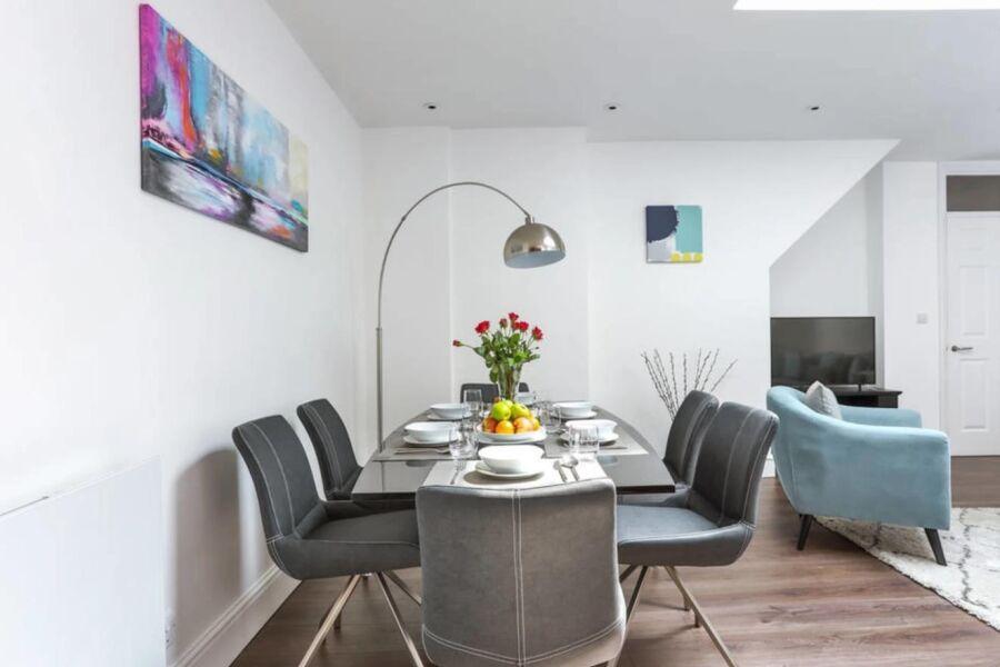 Baker Street House Accommodation - Marylebone, Central London