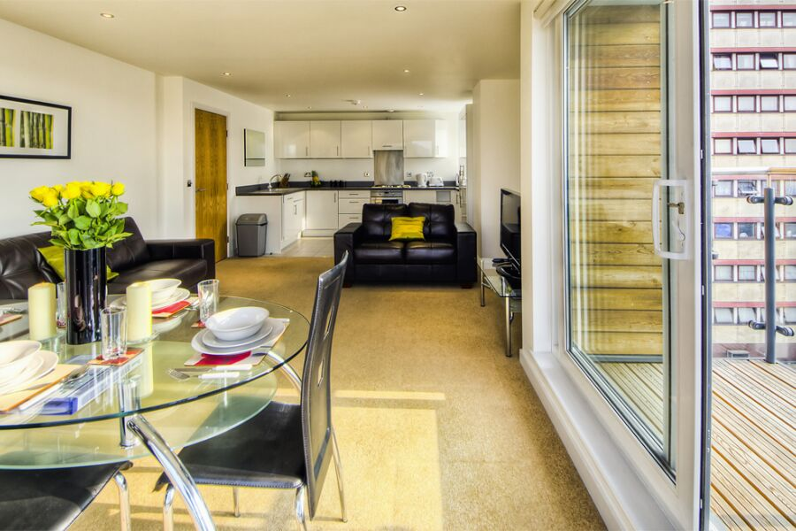 Armstrong House Apartments - Uxbridge, West London