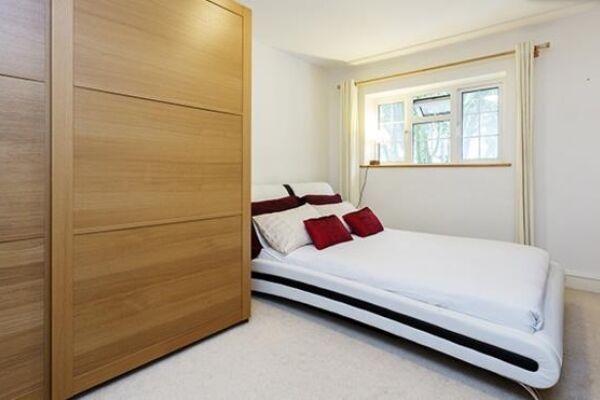 Bedroom, Huntingdon Street Serviced Apartments, Barnsbury, London