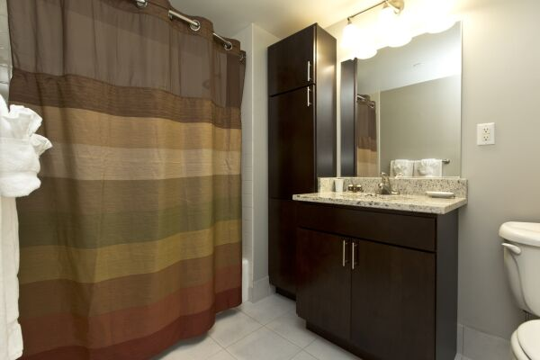 Bathroom, Bank Street Serviced Apartments, New York