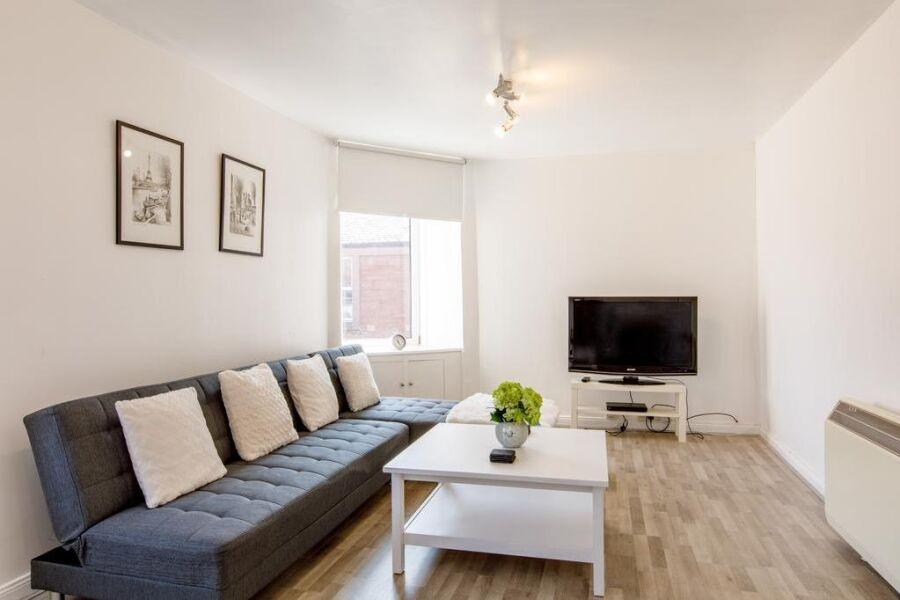 Courtyard E Apartment - Arbroath, Angus
