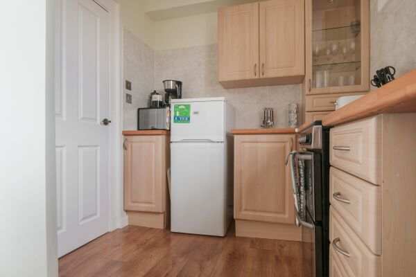 M9 Falkirk Apartment - Redding, Falkirk