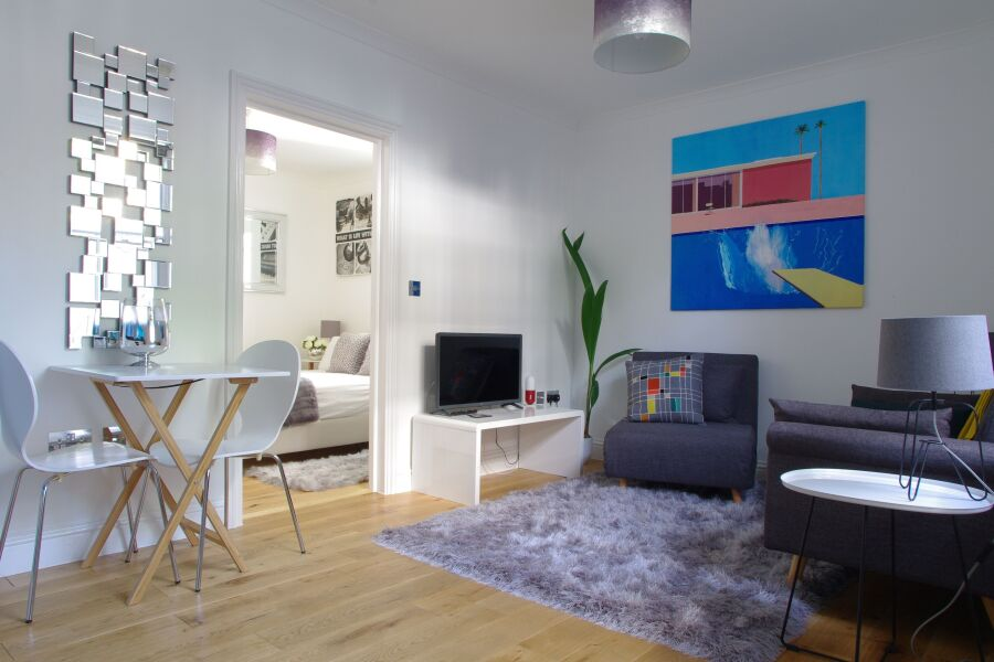 Chelsea One Bedroom Haven Apartment - Kensington, Central London