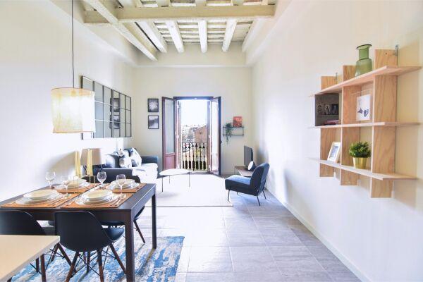 La Reina Apartment - Barcelona, Spain