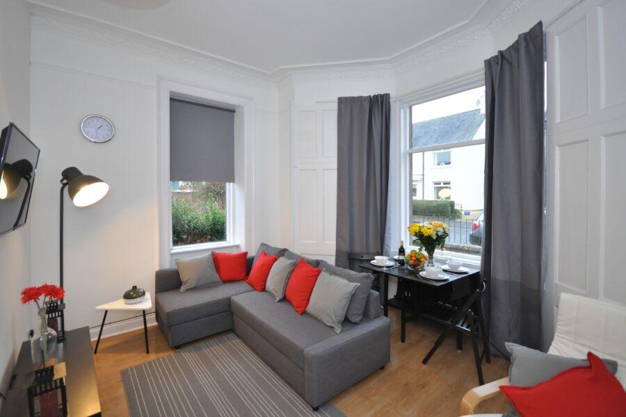 Elderpark 2 Apartment - Glasgow, United Kingdom