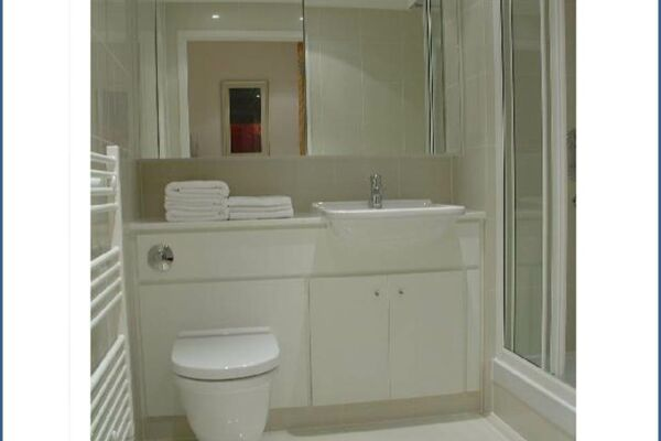 Bathroom, New Palace Place Serviced Apartments, Westminster, London
