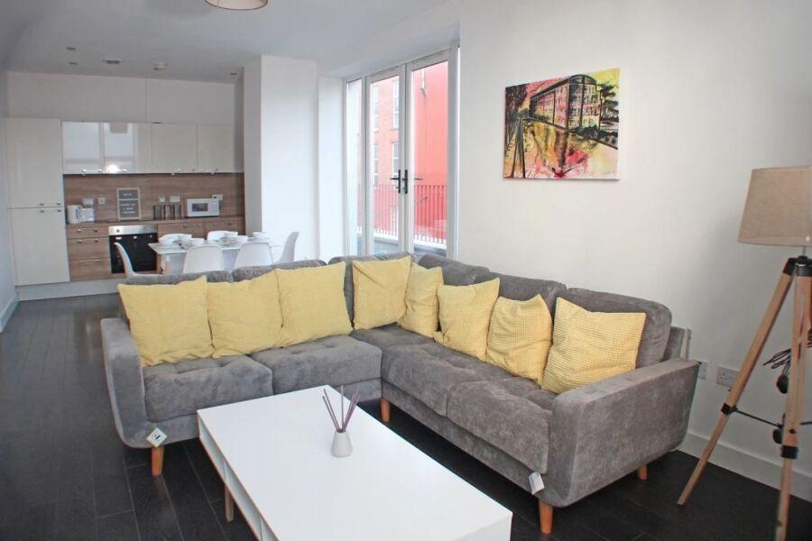 Canal Side Apartments - Merseyside, United Kingdom