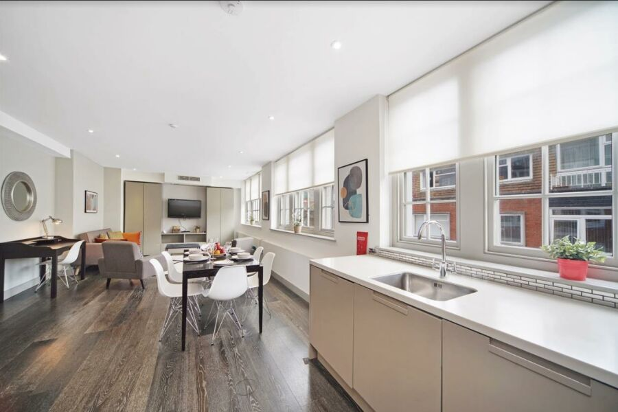 Strutton Ground Apartment - Westminster, Central London