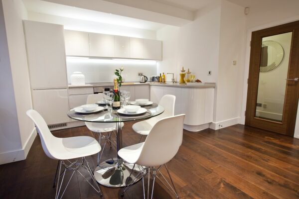 Kitchen and Dining Area, Castle Chambers Serviced Apartment, York