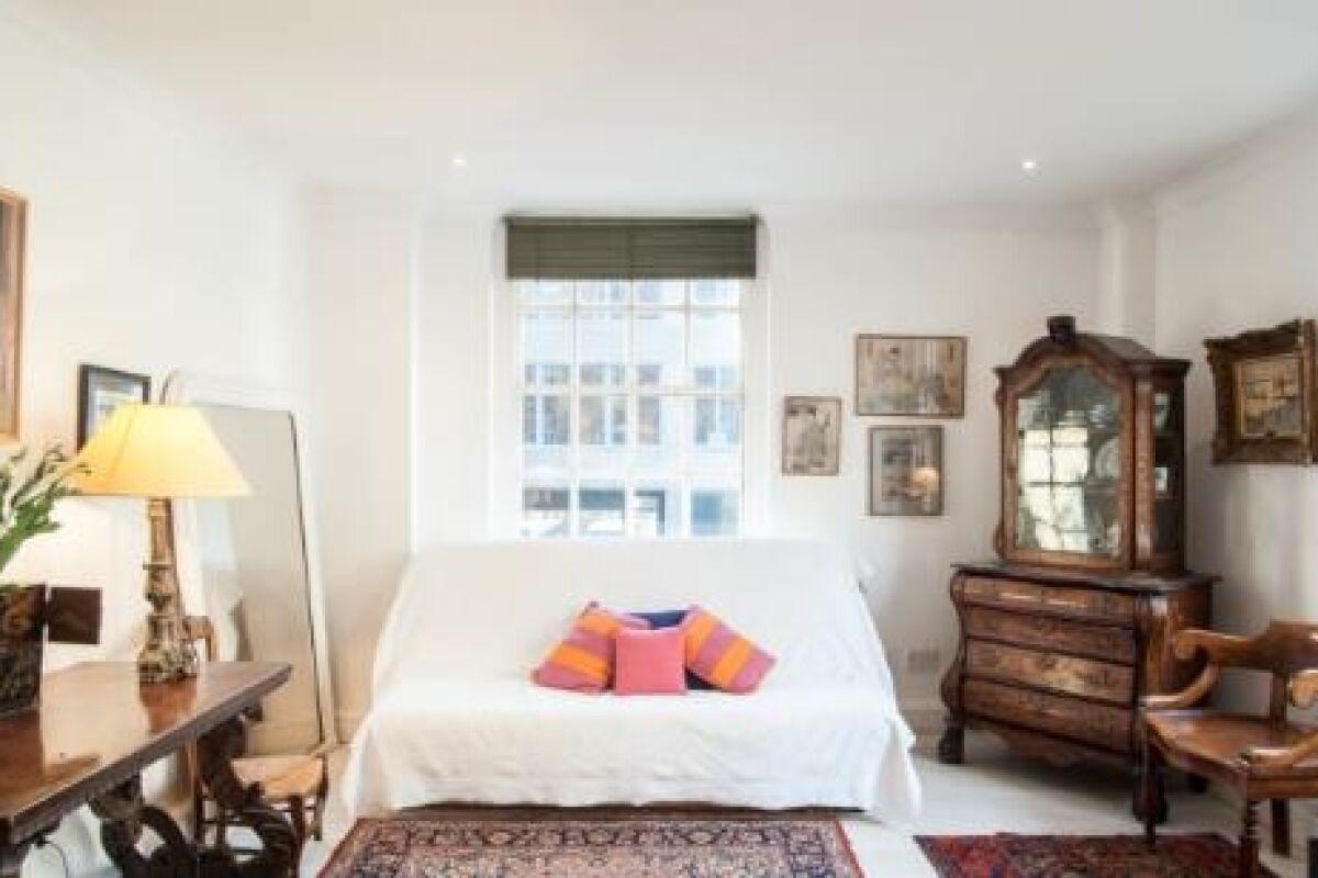 Living Room, Gilliingham Street Serviced Apartments, Chelsea, London