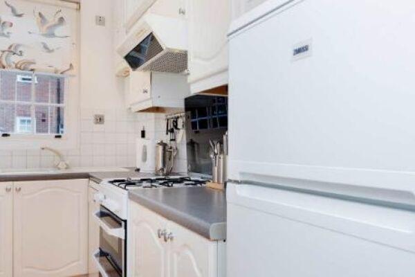 Kitchen, Dovehouse Street Serviced Apartments, Chelsea, London