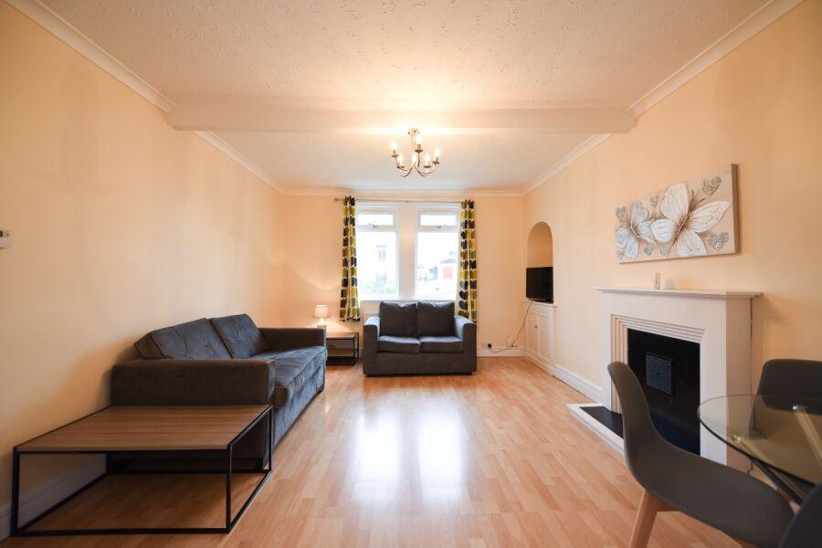 Riccarton View Apartment - Kilmarnock, East Ayrshire