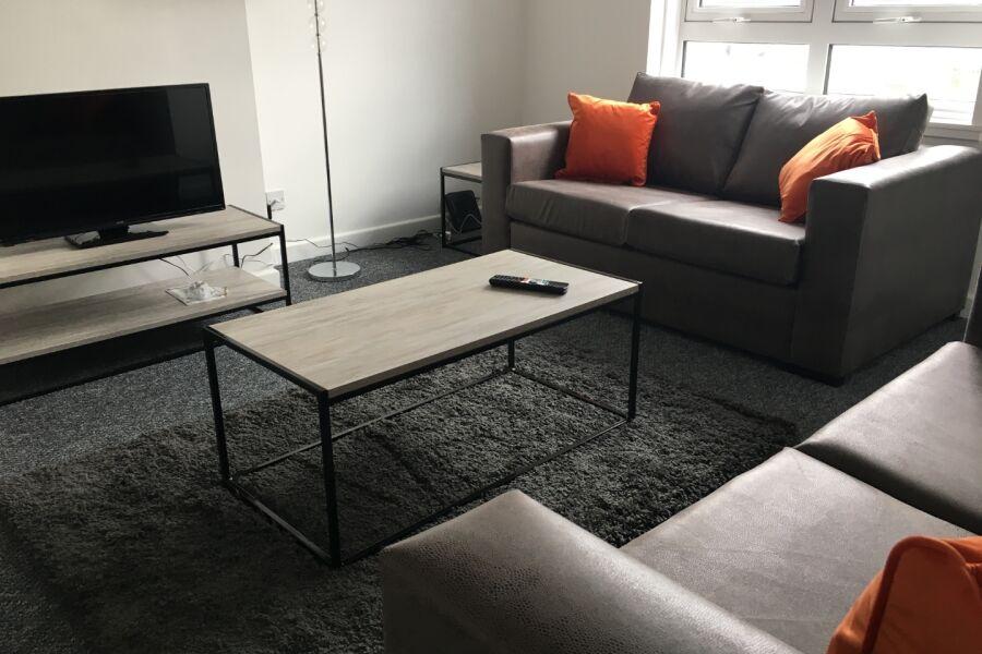 Queens Terrace Apartment - Kilmarnock, East Ayrshire