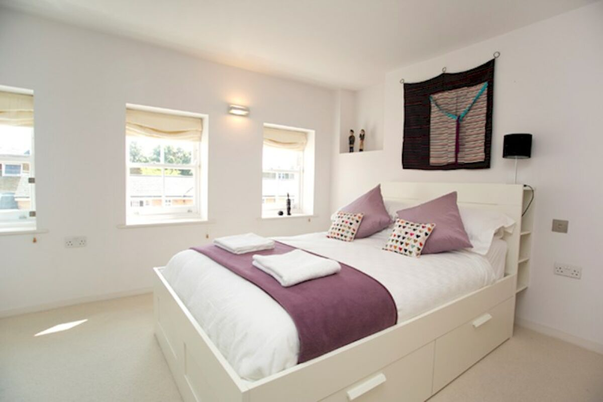 Bedroom, Modern Edwardian Serviced Apartment, London