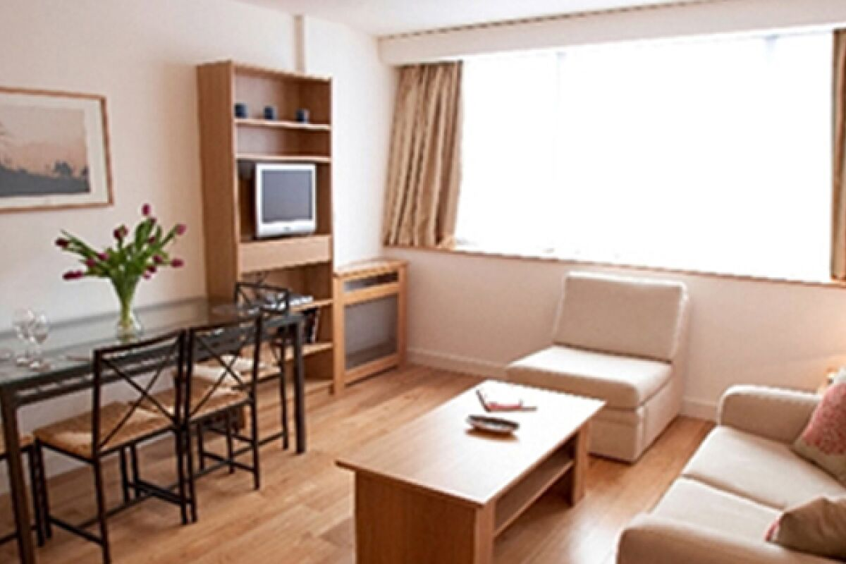 Living and Dining Area, George Street Serviced Apartments, Marylebone