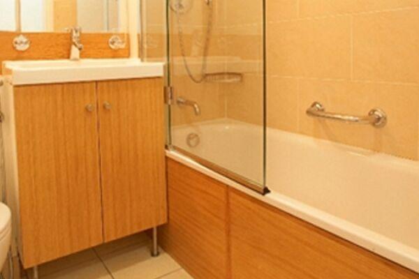 Bathroom, George Street Serviced Apartments, Marylebone