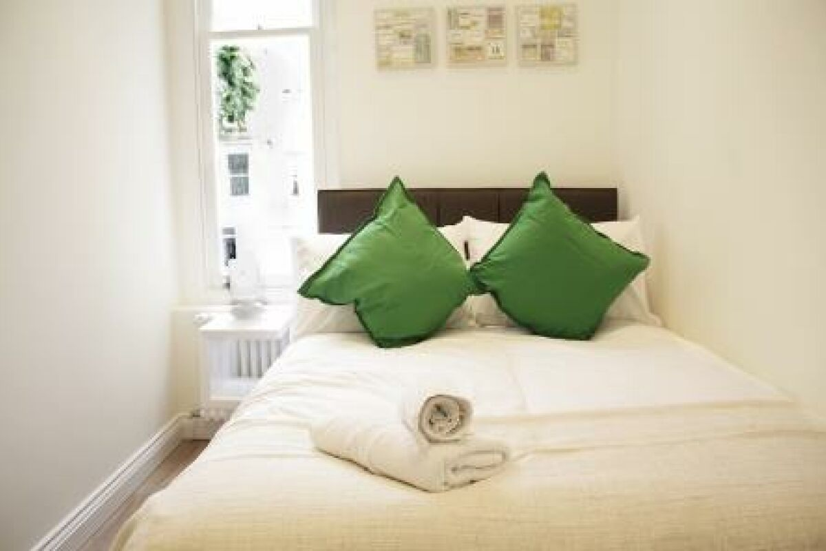 Bedroom, Cambridge Gardens Serviced Apartments, Ladbroke Grove, London