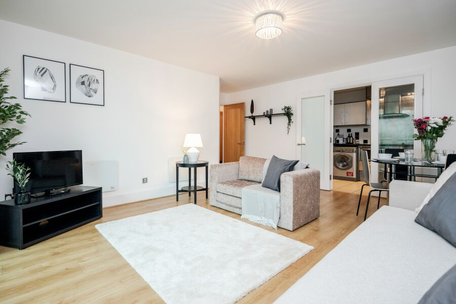 Vauxhall St Georges Wharf Apartment - Vauxhall, Central London