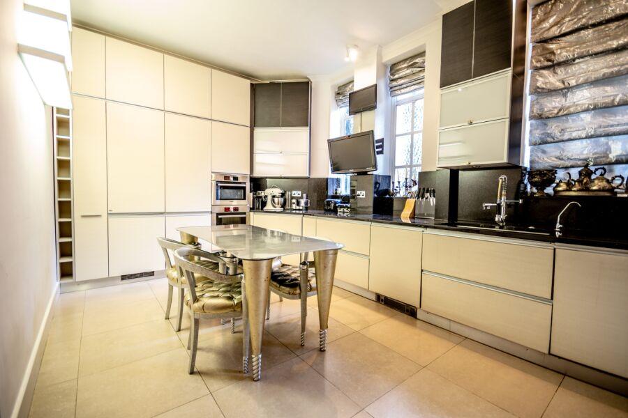 Mayfair Apartment - Mayfair, Central London