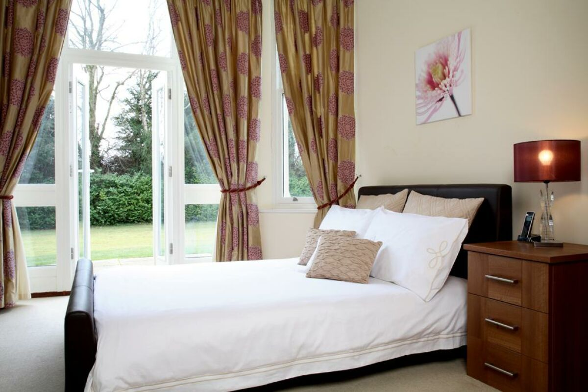 Bedroom, Sherborne House Serviced Apartments, Basingstoke