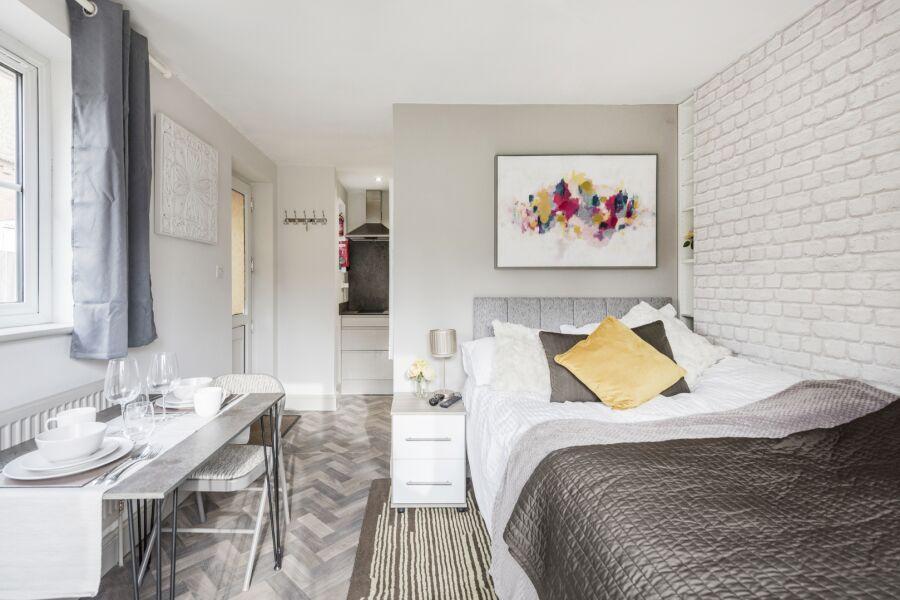 Amber House Studio Apartment - Luton, United Kingdom