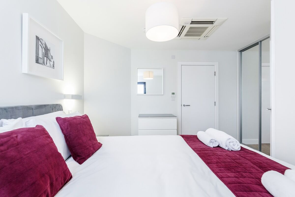 New Manor House Accommodation - Bracknell, Berkshire